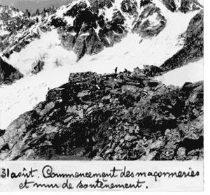 31 août. Commencement des maçonneries et mur de soutènement