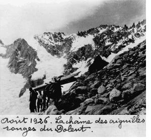 Août 1926. La chaîne des Aiguilles rouges du Dolent